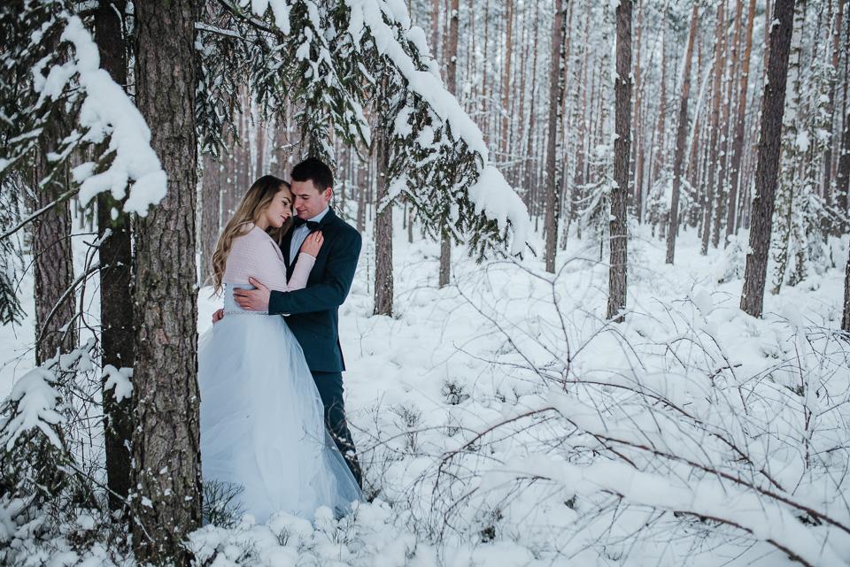 zimowa-sesja-slubna-lubliniec-19