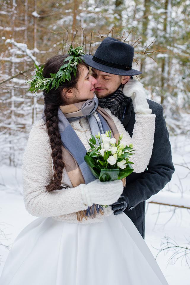 zimowa-sesja-slubna-w-gorach-10