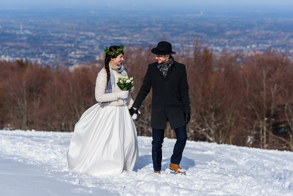 zimowa-sesja-slubna-w-gorach-39