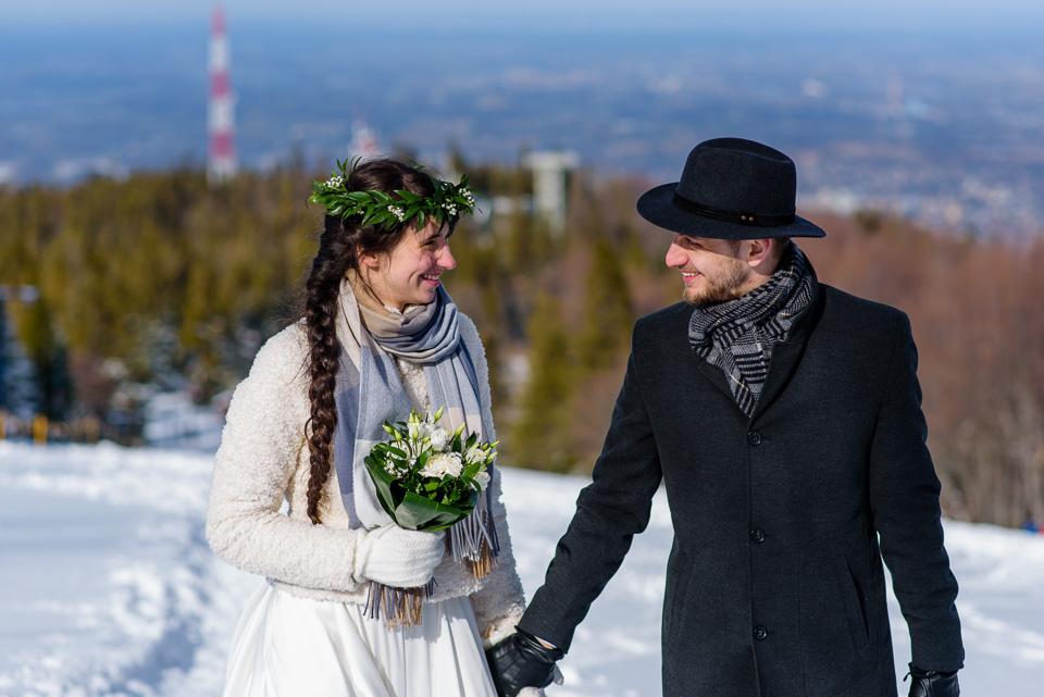 zimowa-sesja-slubna-w-gorach-40