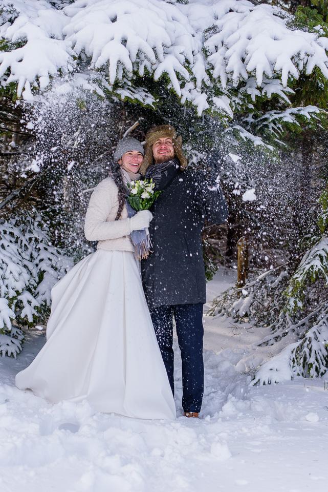 zimowa-sesja-slubna-w-gorach-55